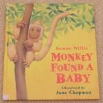 赤ちゃんザルが大はしゃぎ!<br>【英語絵本】MONKEY FOUND A BABY